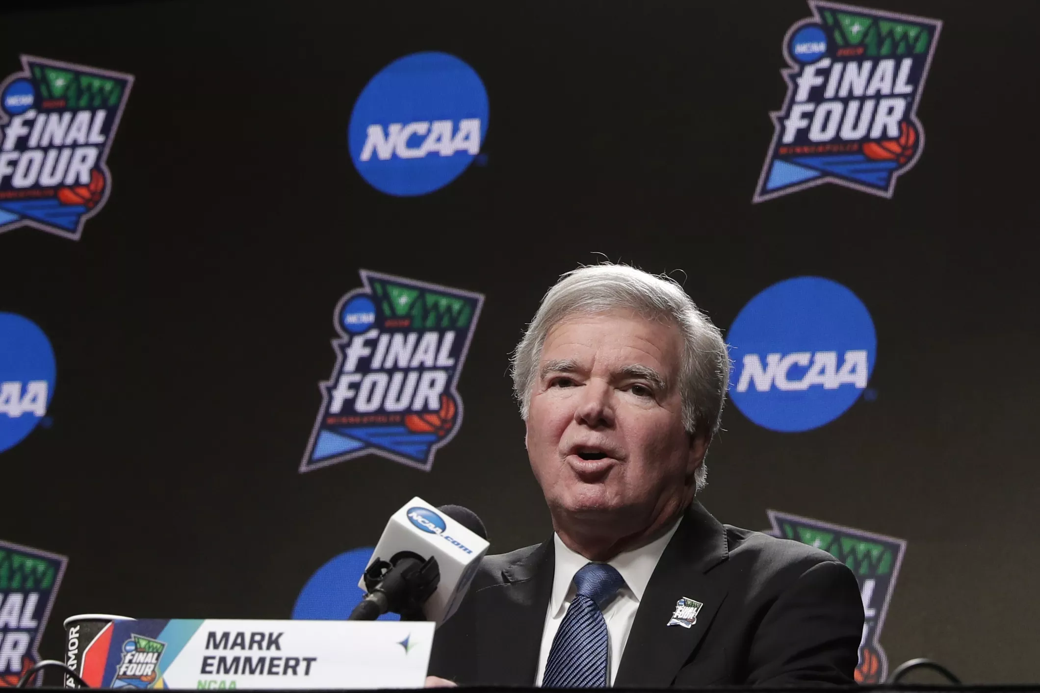 Mark Emmert discusses NCAA players getting paid